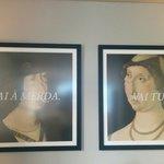 Quadros colocados na sala refeições / bar