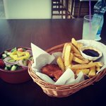 very delicious chicken and chips!