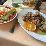 Gemischter Salat und das Kaninchen ligurischer Art