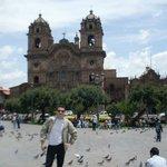Igrejas defronte à Plaza de Armas