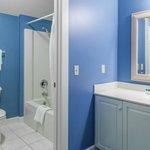Carriage House - Guest room bathroom area