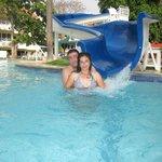 piscina con bar
