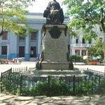 Marta Abreu statue at Parque Vidal