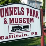 Tunnels Park Sign