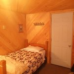One double and one twin bed cabin