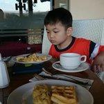 saat sarapan