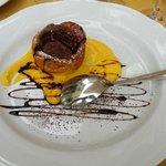 Crepe con albicocca e cuore di gelato al cioccolato