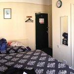 Unser Zimmer (1)