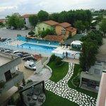 vue de la piscine de notre chambre