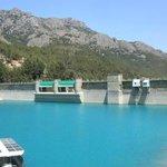 dam in een bergdorpje