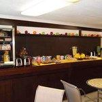 Lobby breakfast bar