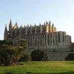 美丽的大教堂,来到帕尔马不能也不会错过的地方