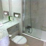 Une salle de bain propre