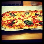 Traditional crust, traditional sauce, homemade mozz, spinach, and roasted red peppers. Perfectio