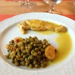Lemon chicken with peas and potato