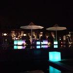 Il bar piano piscina