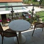 Вид с балкона на ресторан