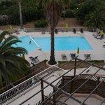 La piscine vue d'une chambre