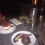 Fromage frais avec ses fruits rouges Croquant au chocolat façon forêt noire.... UNE TUERIE!!!!!!