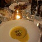 crema di melone con asparagi e tonno, linguine agli scampi