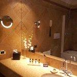 Salle de bains, chambre deluxe vue lagon