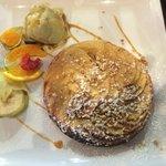 tarte aux pommes tiède avec boule pistache