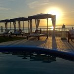 Atardecer en la alberca! Sunset by the pool!