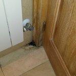 Moho detrás de la puerta