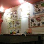 Decoración del bar en el restaurante buffet