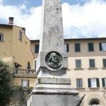 Piazza Garibaldi Monument