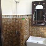 ensuite bathroom of Normade