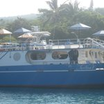 the boat that took me out to kealakekua bay