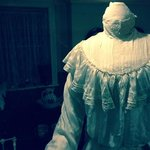the icing on the cake -the headless housewife