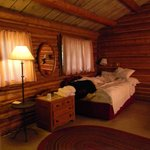 a two bedroom cabin, each room had two double beds