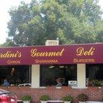 Photo de Mardini's Deli Cafe