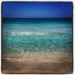 il mare di Ugento davanti alla spiaggia dell'Hotel