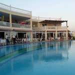 Common pool area with great food...