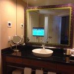 Forum Tower Deluxe Bathroom