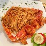 Спагетти с крабом (стоит в меню как рекомендуемая, но не очень впечатлила)