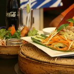 entrée : sping rolls et salade de mangue
