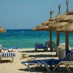 Eden Village Yadis Hammamet : Tunisia: spiaggia a mezzogiorno