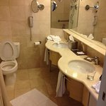 large bathroom with two sinks