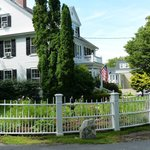 Captain Jefferds Inn and the road to the centre of Kennebunkport