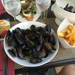 Ute på en restaurant i Saint-Tropez.