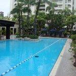 Ausreichend grosser Pool um einige längen zu schwimmen.