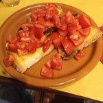Bruschette con pomodoro fresco