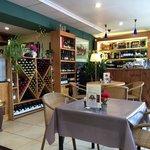 Molly's Wine Bar