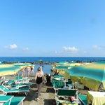 parasol et accès plage