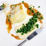 Hake with peas and cauliflower puree