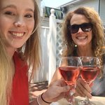Rose on the patio! Salut!